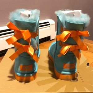3a1549d5f06 Teal and Orange Bailey Bow Uggs - Youth